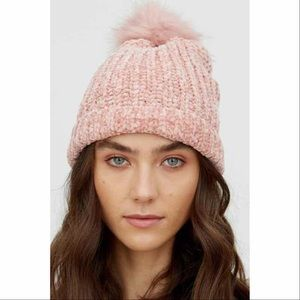 Chenille ribbed faux fur pompom beanie